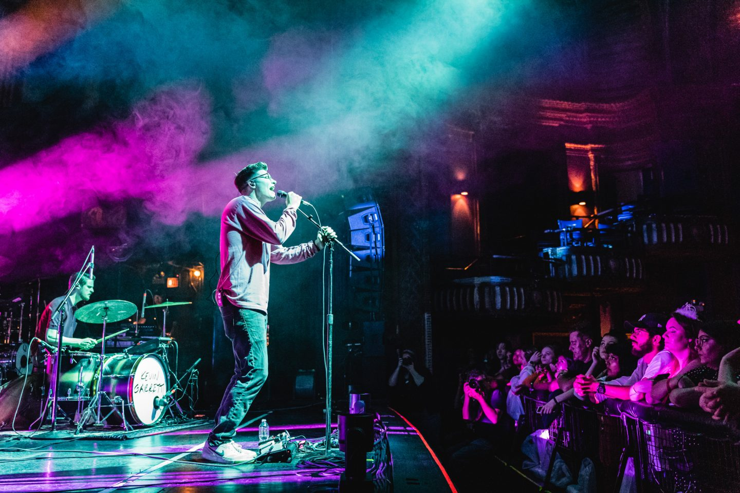 Kevin Garrett at The Riviera Theatre by Thomas Bock Photography